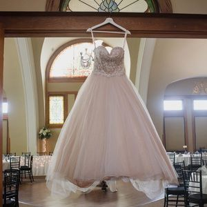 Dresses & Skirts - Princess Wedding Dress/Ball Gown